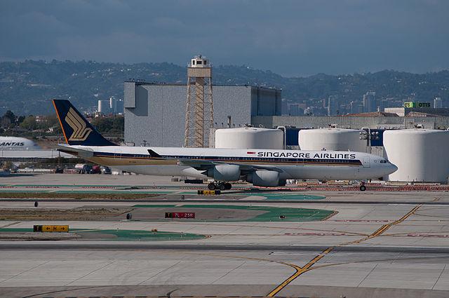 Singapore_Airlines_SQ_21