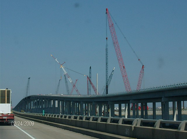 Frank_Davis_Memorial_Bridge